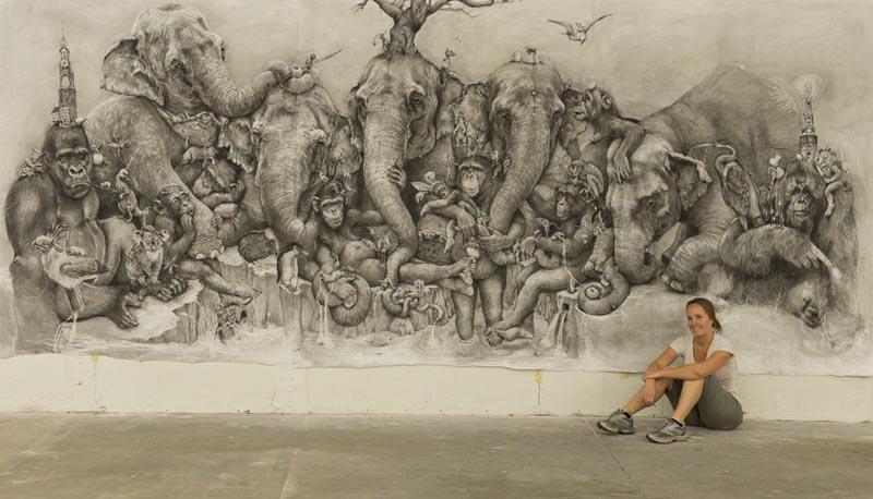 Адонна Карэ. Десятиметровый триптих Слоны