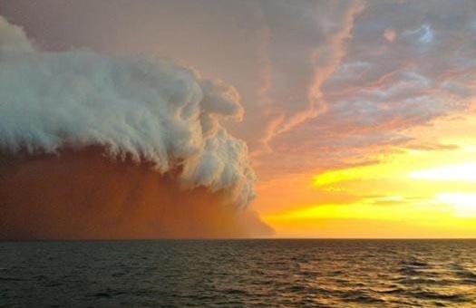 Буря, шторм, пыль