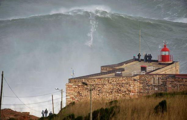 Новый мировой рекорд по серфингу 2013. Гаррет МакНамара