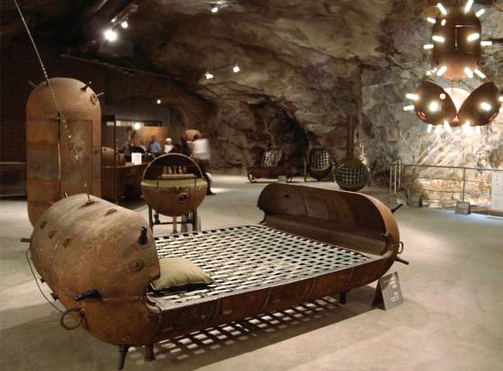Мебель из подводных мин Мати Кармина