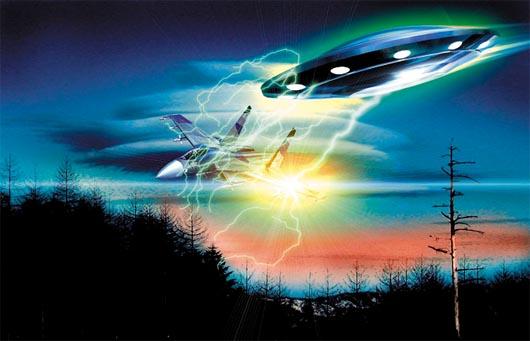 НЛО в плазменном щите и истребитель