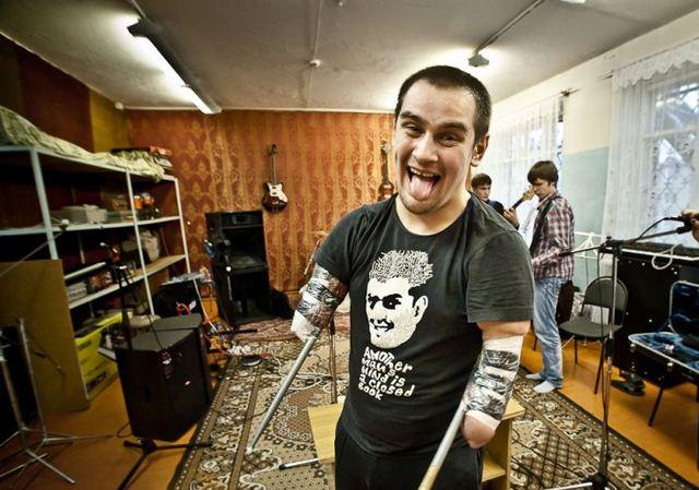 Российский безрукий барабанщик Руслан Нурисламов