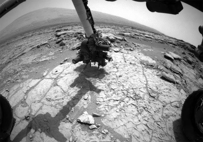 Curiosity просверлил поверхность Марса