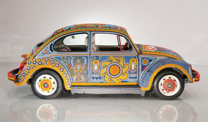 Volkswagen Beetle покрытый биссером