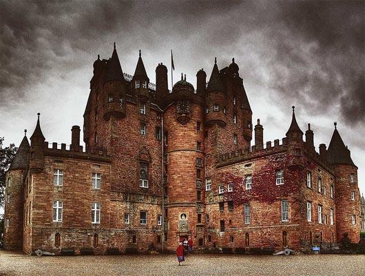 замок Глэмис, удивительные строения