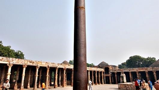 Куттубова колонна, Индия, удивительные строения