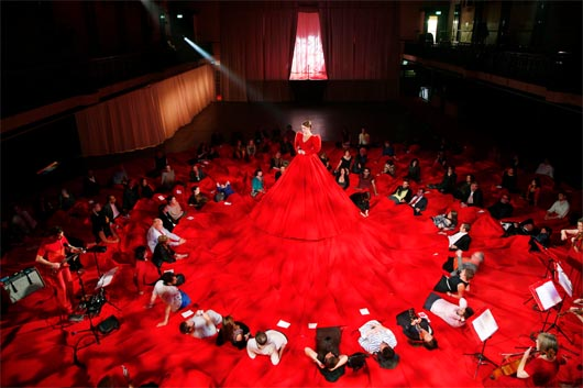 Книга рекордов Гиннеса, Самое большое концертное платье, Reddress