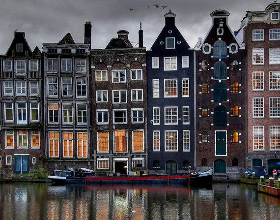 танцующие дома, амстердам, удивительные строения
