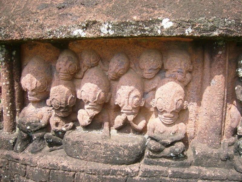 рептилоиды, пришельцы, артефакты, статуи рептилоидов, остров нуку-хива